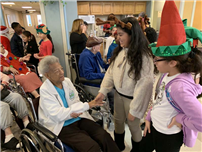 Bayview Students Spread Holiday Cheer photo